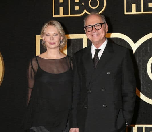 Barry Levinson with his wife Dianna Rhodes