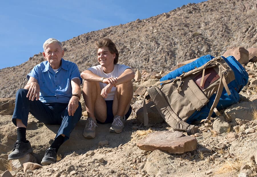 Hal Holbrook and Emile Hirsch in the film Into the Wild