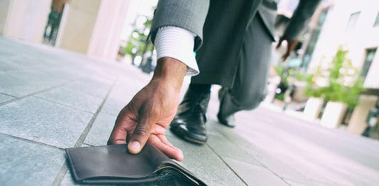 Man Picks Up Lost Wallet From Ground