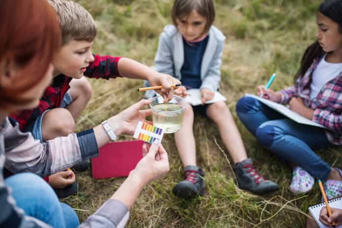 Alternative school learning science in nature