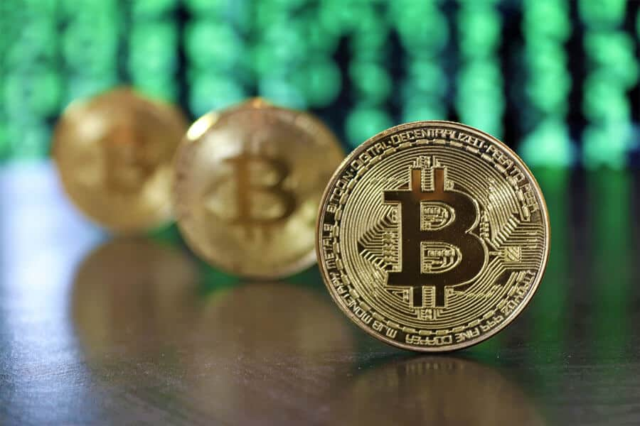 Bitcoin coins / Photo: Roger Brown from Pexels